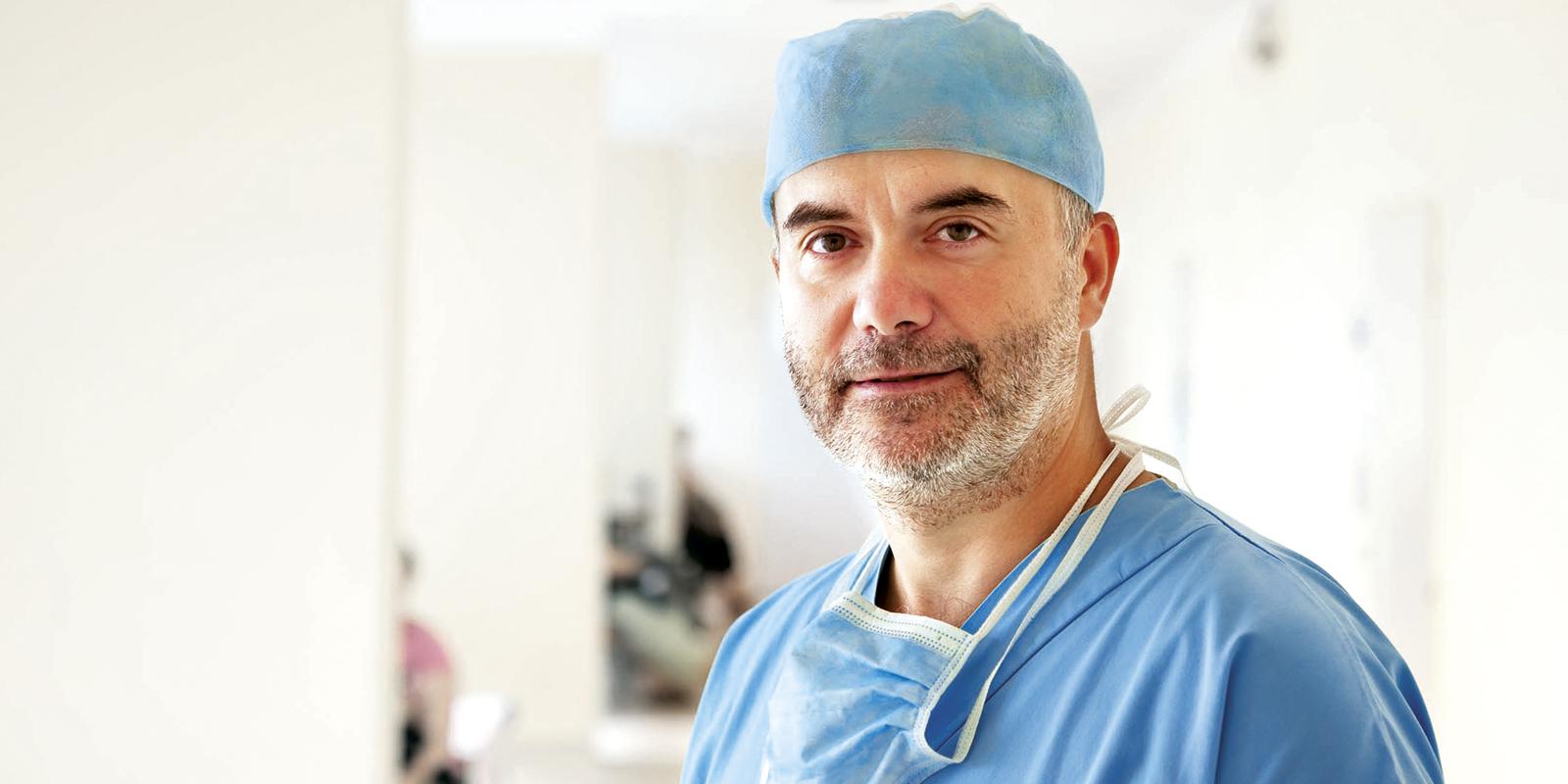 Ohľaduplnosť a citlivý prístup sú mojím základným princípomTop Lekári na Slovensku III najlepší odborník v odbore plastická chirurgia2014 súdny znalec MS SR v odvetví chirurgia, špecializácia plastická chirurgia2003 - 2007